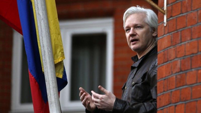 Ecuador kutsus Londonis asuva saatkonna juurest tagasi täiendava turvameeskonna