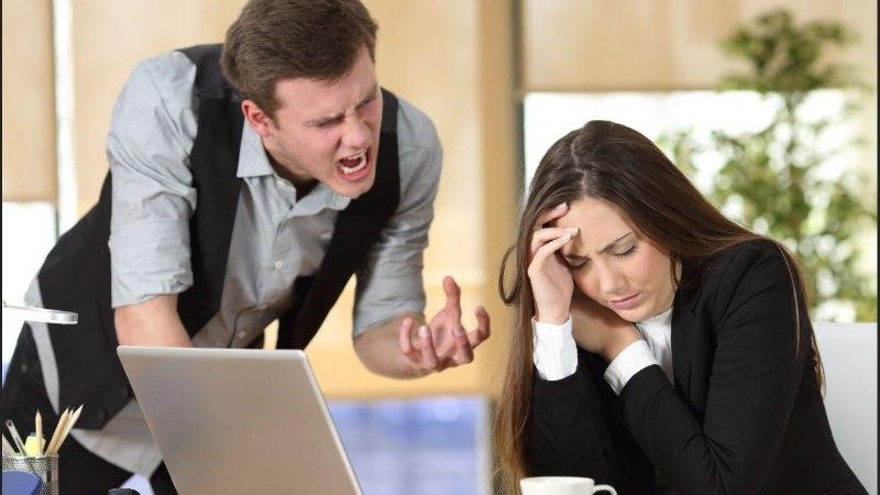 Tööl tooli külge seotud ja mõnitatud naine jäi ise süüdi... liiga innukas töötegemises!
