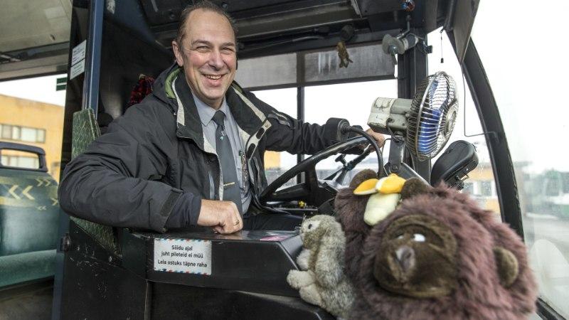 Bussijuht: jalgratturite põhjustatud ohtlikke olukordi tuleb ette