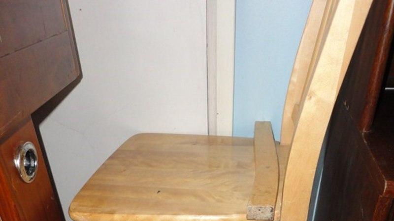 Koolinoorte rajud peod: toolid pekstakse pilbasteks, kondoomid jäävad voodi taha