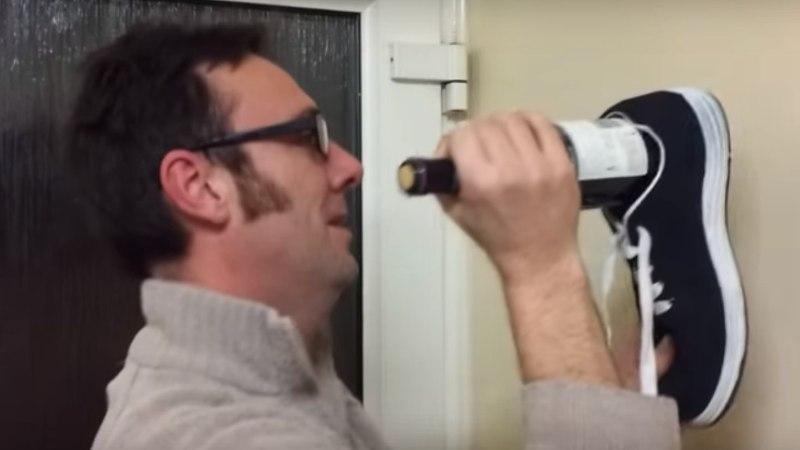 VIDEO | Kuidas avada veinipudelit kinga abil?