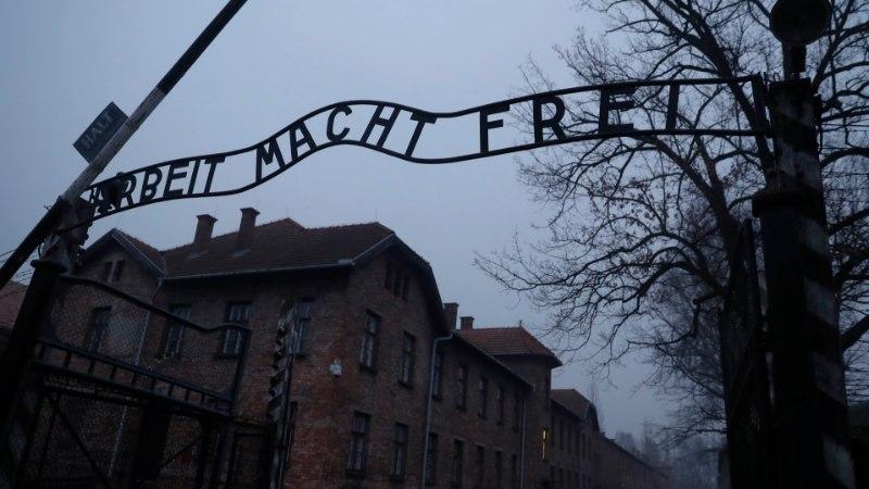 Holokaustiseadus on raskesse olukorda pannud Auschwitzi muuseumi töötajad