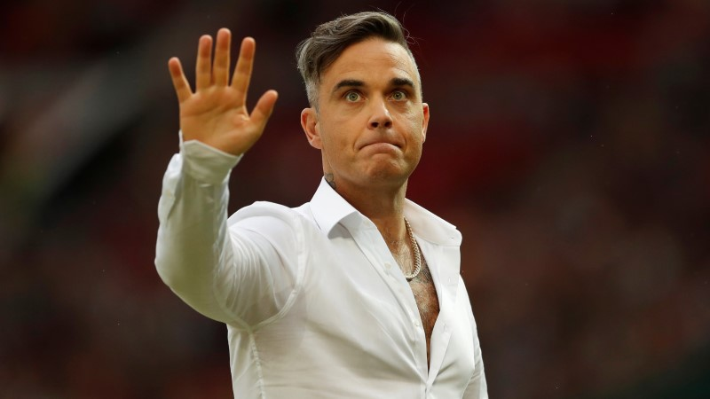 PAUGUGA! Jalgpalli MMi avavad Ronaldo ja Robbie Williams