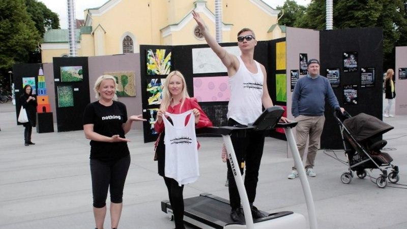 PILDID JA VIDEO | Kunstnik Kiwa parseldas kohvik Moskva klientuurile täishigistatud särki