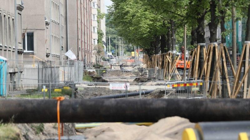 GALERII | Puhkepäevadel Gonsiori tänava remontimine tekitab vaidlust, ehitus seisab aga tööpäevadelgi