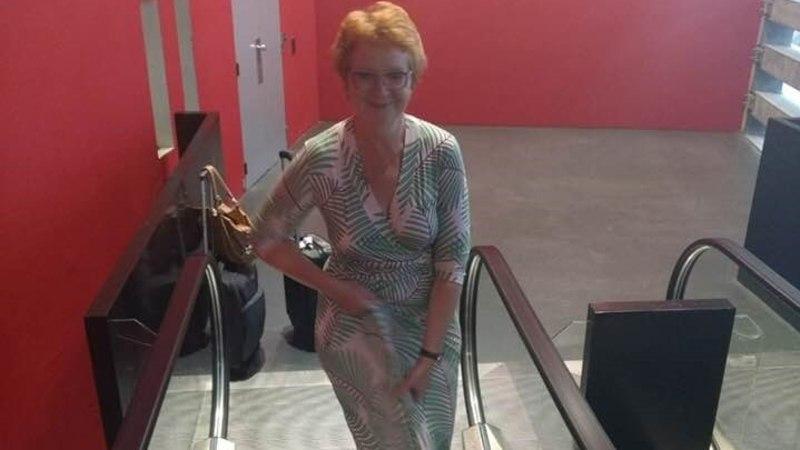 Фото: эскалатор чуть не сорвал с Яны Тоом платье