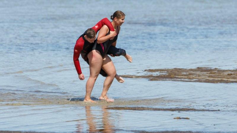 ÕL VIDEO   Rannavalve: mitte kuumad kehad rannaliival, vaid hoopis ränk rassimine!
