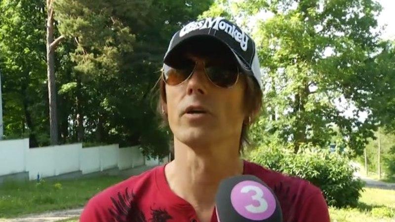 TV3 VIDEO   Kellele hoiab tänavusel jalgpalli MM-il pöialt muusik ja tuline jalkafänn Hendrik Sal-Saller?