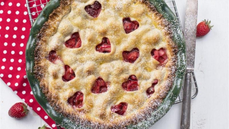 Kinnine maasika-rabarberipirukas