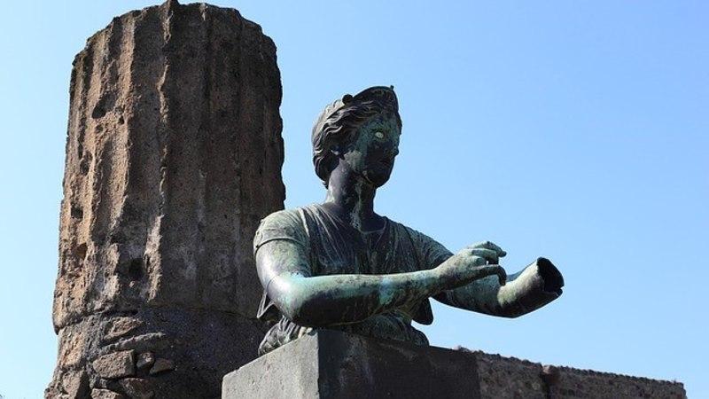 Blogija postitas pildi Itaalia vaatamisväärsuse juures – ja hakkas saama tapmisähvardusi!