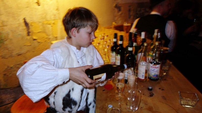"""""""Aga viieaastasele ju maitseb ja on 0%!"""" ehk Kas või millal võib lapsele anda alkoholivaba õlut?"""