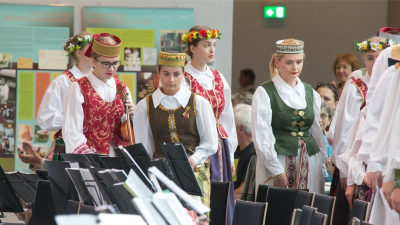GALERII |  Leedu rahvamuusikud ja –lauljad tõid ERMi täissaali