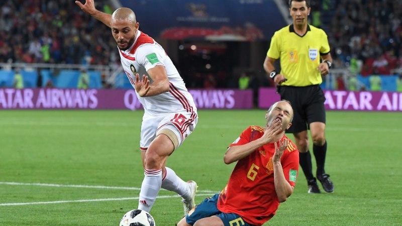 """Jalgpallimängu pahupool: """"Eesmärk on kohtunik võidu nimel ära petta. Kõik."""""""