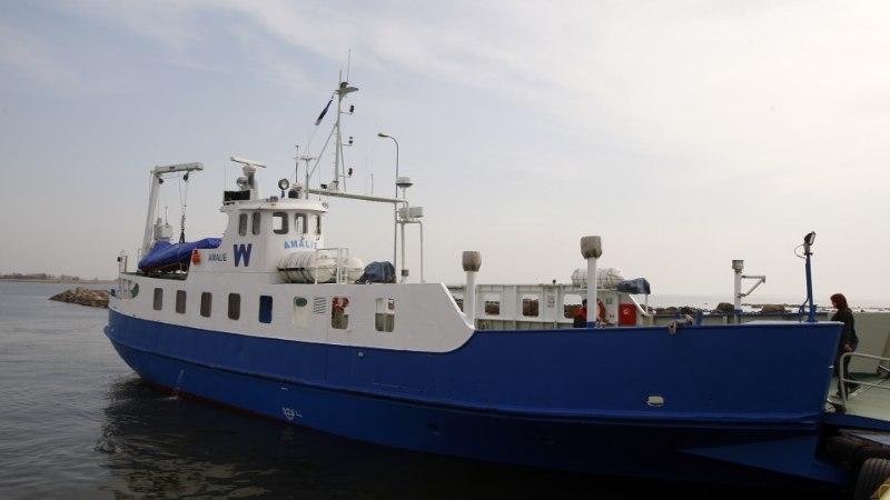 Ruhnlane katkenud laevaühendusest: inimesed on kurvad. Terve talv on oodatud, et saaks kasvõi korra nädalas linna
