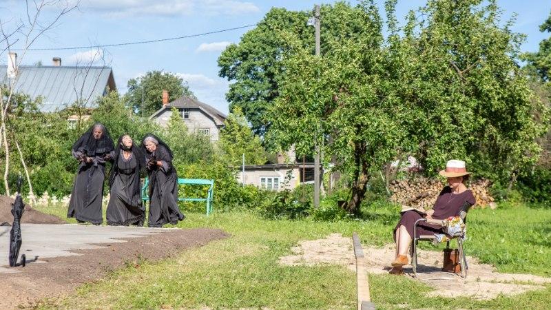 Kaili Viidas: teha teatrit kiriku hoovis, see on midagi imelist