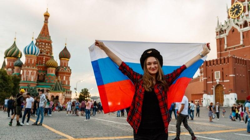 ÕL MOSKVAS | MMi STUUDIO | VIDEO | Kas jalgpallikarneval segab harilikku turistielu?