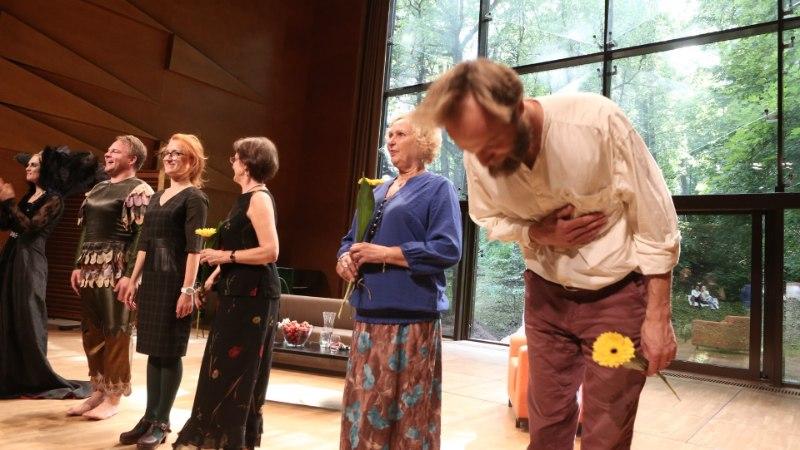 GALERII | Tartu linna päeval nägi nii ooperit kui kirjanikke