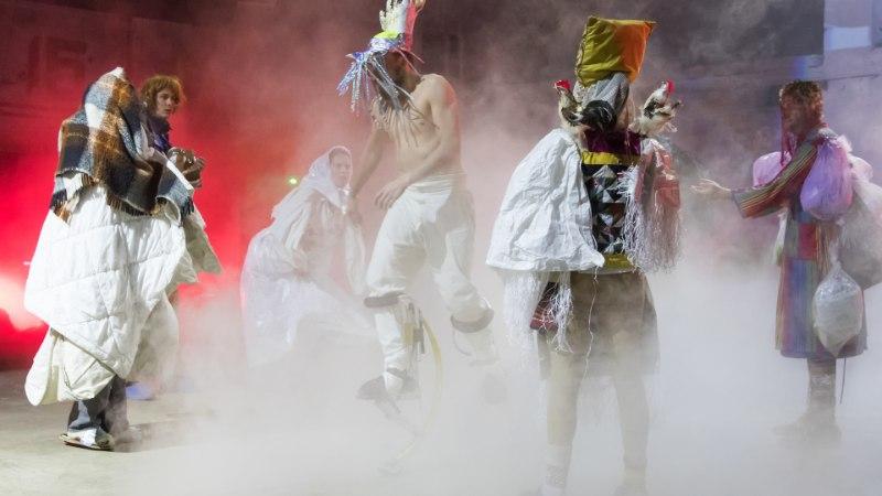 GALERII | Trad.Attack! teeb teatrit: peamine on end näitlejaid suu ammuli vaadates mitte ära unustada
