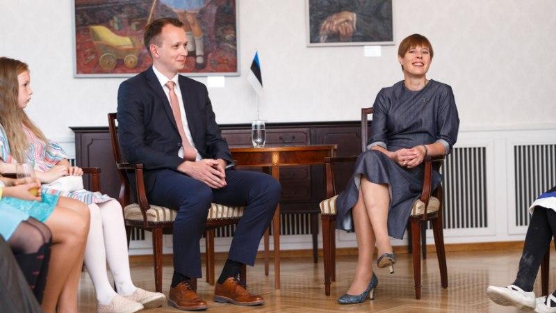 FOTOD | Kersti Kaljulaid võõrustas Kadriorus vähiravifondi vabatahtlikke