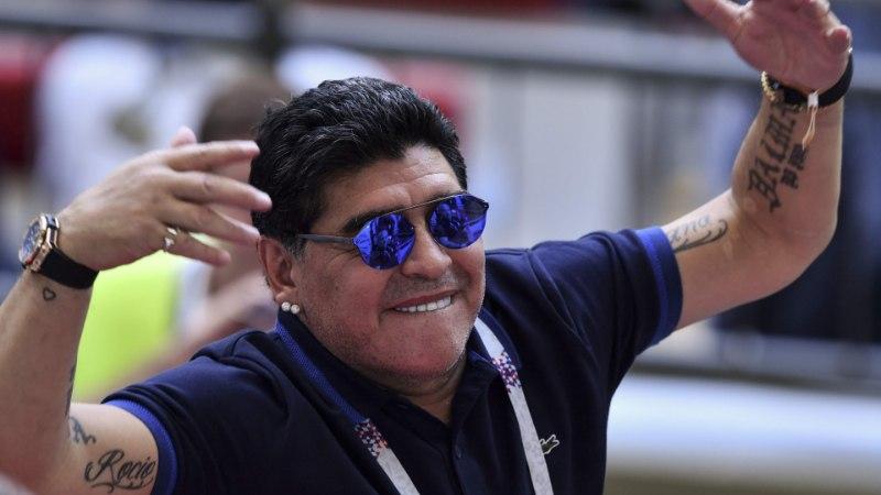 ANDRES MUST   Maradona rehabiliteerimine ehk Kuidas endine vutistaar kogu maailmale oma tõde kuulutab