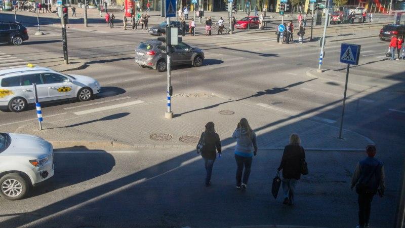 """Liiklusjurist Indrek Sirk: """"Kiiruskaamerad ei ole loodud autos oleva tegevuse jäädvustamiseks."""""""