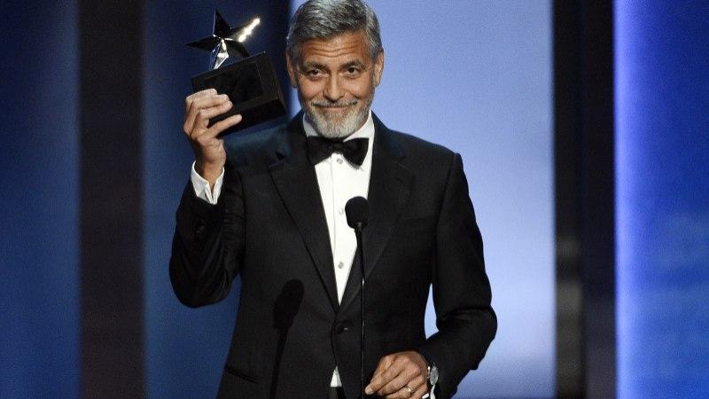 Джорджа Клуни сбила машина (ФОТО)
