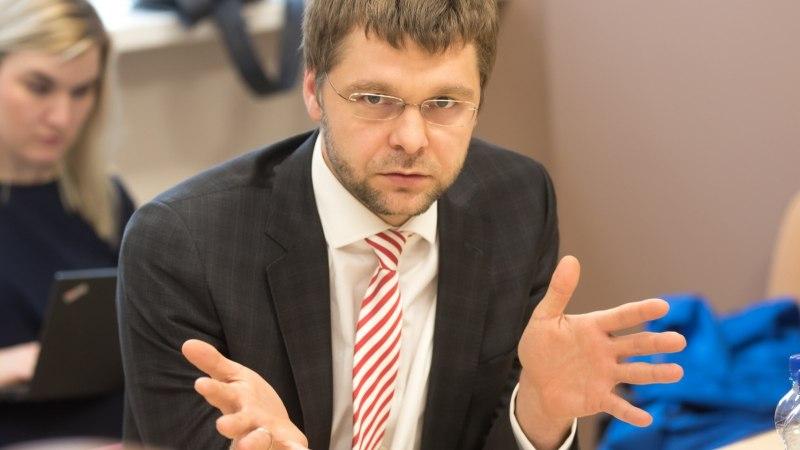 SOTSIDE SISEVÕITLUS: Indrek Saar tahab Jevgeni Ossinovski maha võtta
