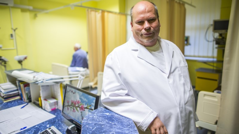PEEP PÕDDER: maapiirkondades peaks liikuma arstid, mitte sünnitajad