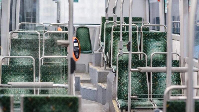 Jõhker peks linnaliinibussis: joobes mees tungis kallale kaasreisijale