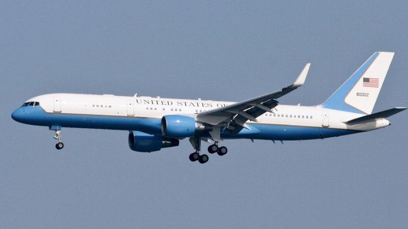 Trumpi meeskonna lennukid peatuvad Tallinna lennujaamas