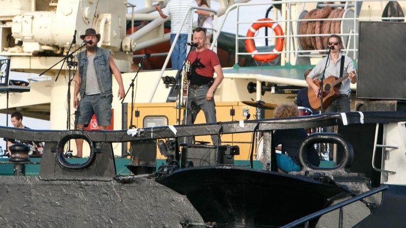 ÕL VIDEO JA GALERII | Vaata, kuidas Svjata Vatra jäämurdjal Tarmo kontserdi andis