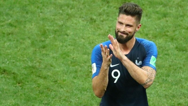 MEEST SÕNAST! Olivier Giroud peab oma šiki soenguga hüvasti jätma