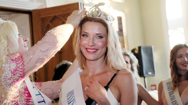 PILDID JA VIDEO | Missis Estoniaks krooniti imekaunis lauljatar Ithaka Maria