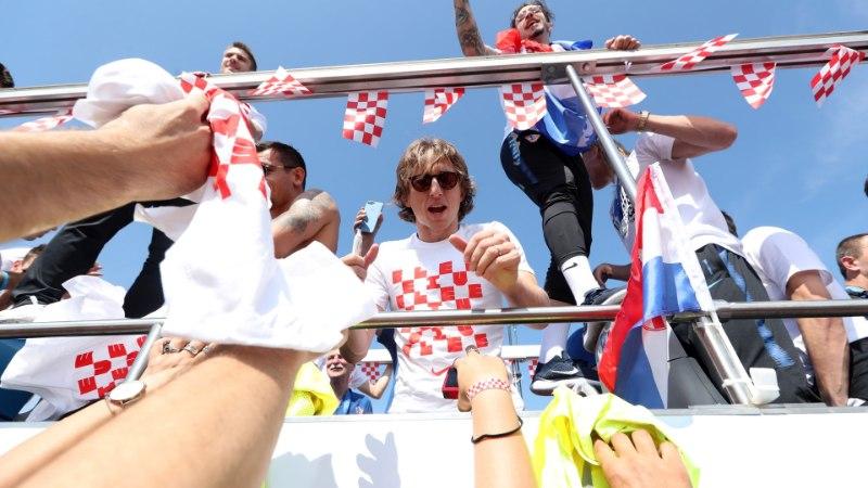 VIDEO JA FOTOD | Kodumaale naasnud horvaate võeti Zagrebis vastu kangelastena