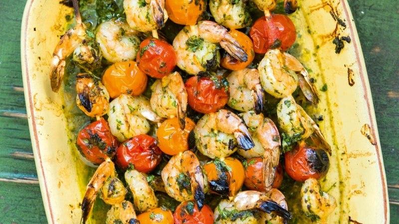 Grillitud hiidkrevetid tomatiga