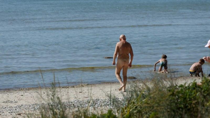 LUGEJAKIRI | Pereema kurjustab: mehed, minge alumise osata päevitama, saate teada, miks toplessi napib