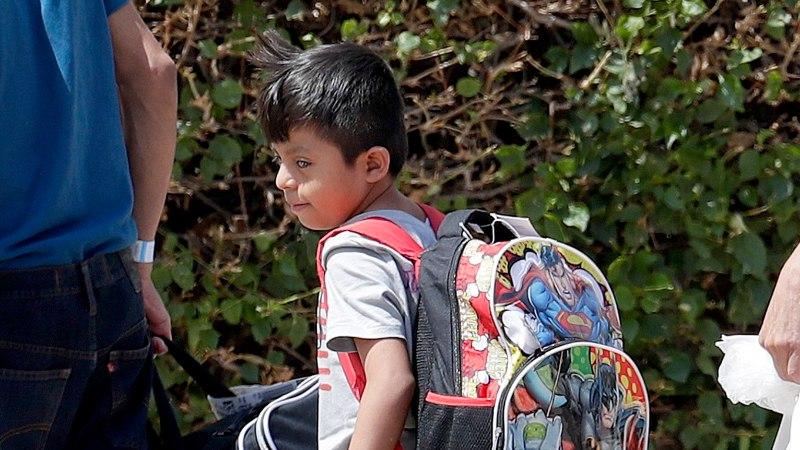 USA: vanematele on tagastatud 1800 piiril ära võetud last