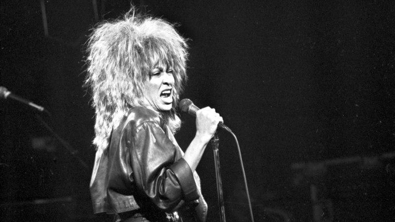 Leinav Tina Turner saatis oma poja viimsele teele