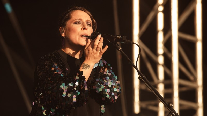 USKUMATU NAINE! Vaid neli päeva tagasi sünnitanud Sandra Vabarna rokkis Sweet Spot festivali lavalaudadel