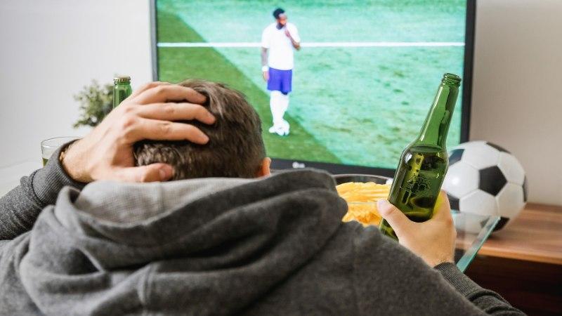 NAPSUSÕBRAST VUTIFÄNNILE: vaata, mida kujutab jalgpalli MMi joogimäng