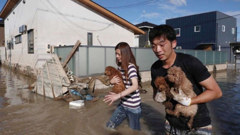 Jaapanit tabanud üleujutustes on hukkunud vähemalt 100 inimest