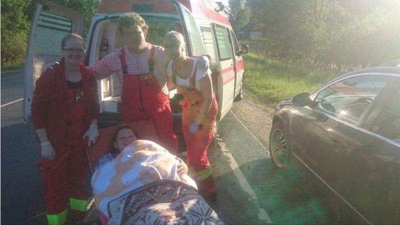 Результат закрытия роддома в Валга: женщина родила на обочине дороги