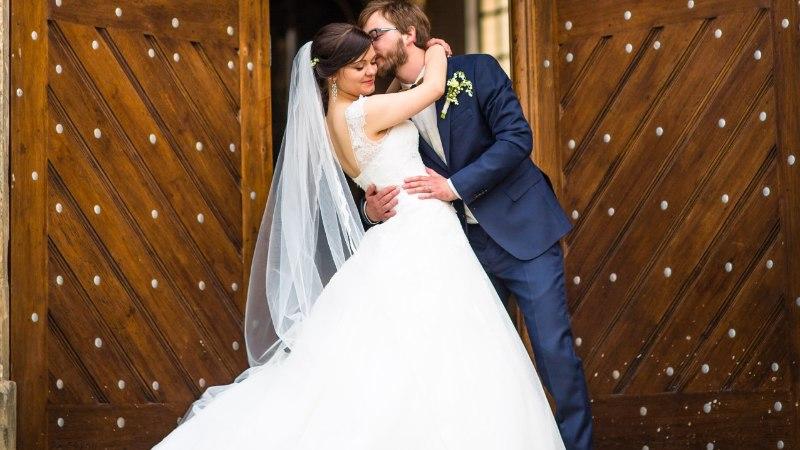 PRUUTPAAR PAKUB TÖÖD: kes täidaks pulmas korraliku tasu eest eriskummalise ülesande?
