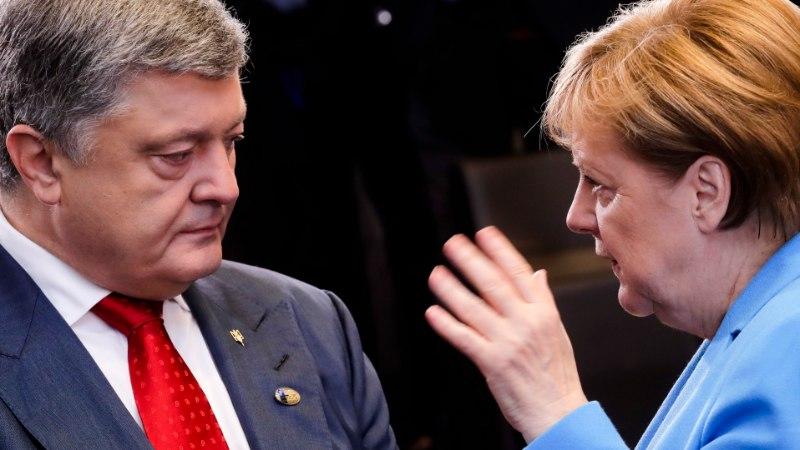 """Порошенко назвал """"Северный поток-2"""" троянским конем Кремля"""