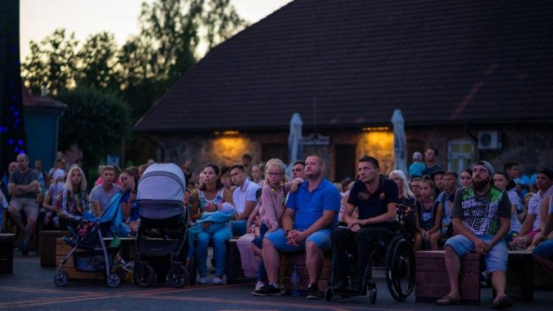 FOTOD   Tõrvast EMi kangelaseks sirgunud Magnus Kirdile elati kodulinnas üheskoos kaasa