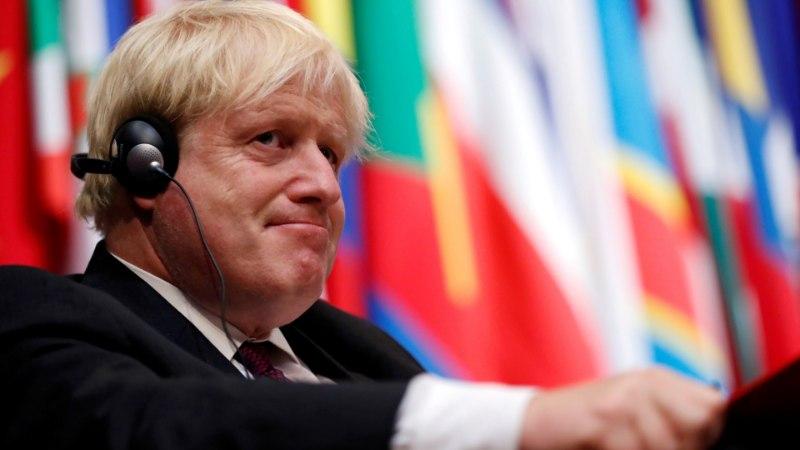 Boris Johnson võrdles burkakandjaid postkastidega