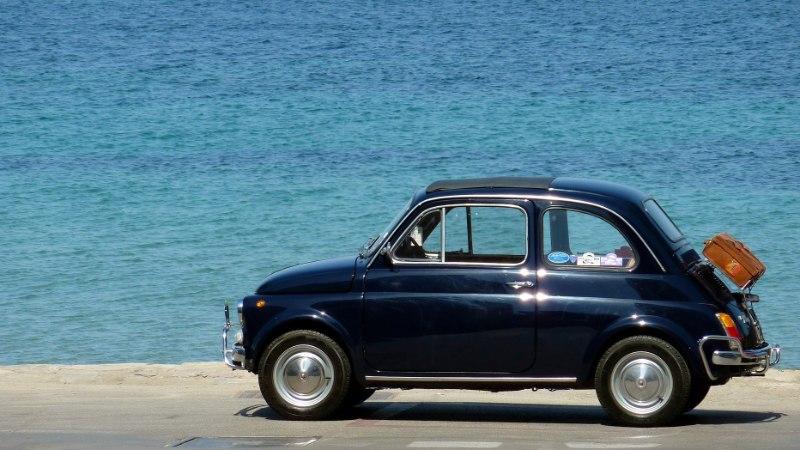 KINNISVARA JA KRÜPTORAHA ASEMEL: kas tasub investeerida klassikalisse autosse? Ja millisesse?