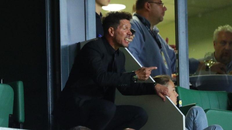 Atletico peatreener Diego Simeone jälgis võidukat matši tribüünilt: seal oli väga-väga-väga külm