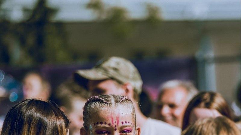 GALERII | Weekend festivali esimene päev tõi Pärnu randa kireva seltskonna