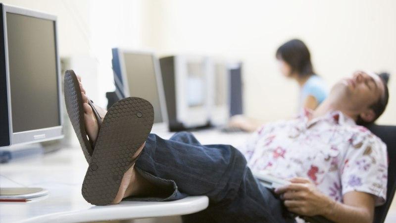 STIILISPETS ANNAB NÕU: kas on vastuvõetav kanda tööl PLÄTUSID?